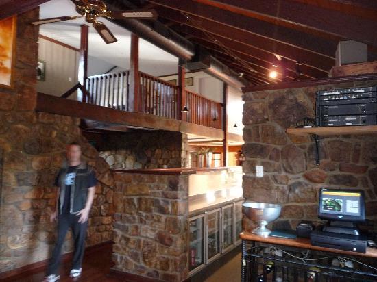 Karriview Lodge: Restaurant bar