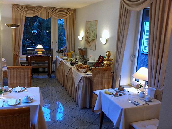 Hotel Busche: Breakfast room