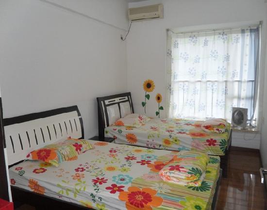 Sunflower's Home Hostel: Double bedroom