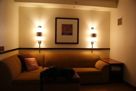 Hyatt Place Albuquerque Airport: king room lounge area