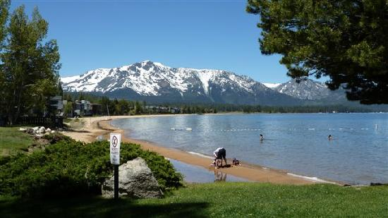 Motel 6 South Lake Tahoe: Le lac tahoe et la sierra nevada, magnifique!!
