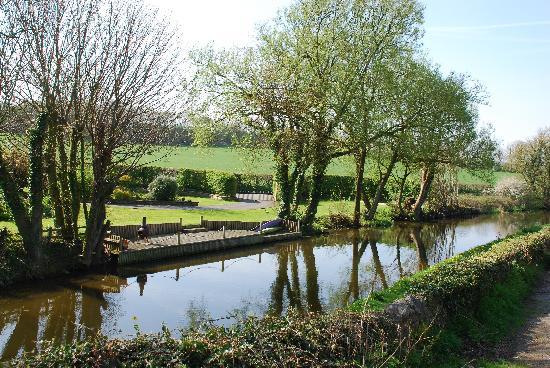 Old Hall Caravan Park: Lancaster Canal walks nearby