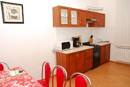 Five Flags Hostel: Hostel's kitchen