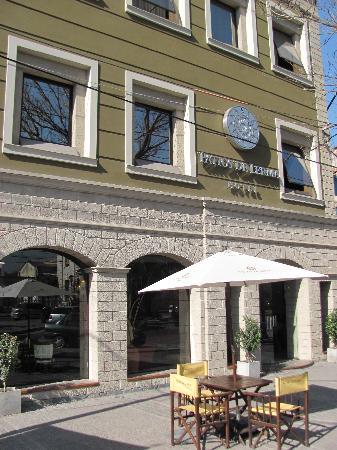 Hotel Patios de Lerma: Facahada del hotel
