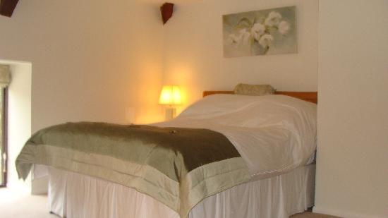 Culverhayes: ruime 2 pers. slaapkamer. Luxe bed, met egyptisch linnen