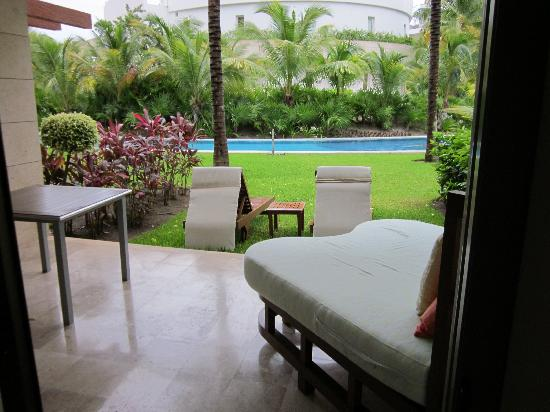Excellence Playa Mujeres: View from pool swim-up room