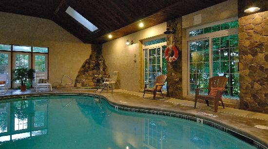 Wrens nest village inn updated 2017 prices reviews portsmouth nh tripadvisor for Hotels in portsmouth with swimming pool