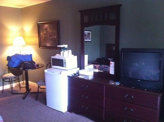 Econo Lodge : room10