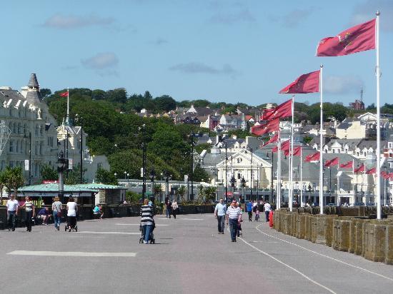 Glen Mona: The Promenade Douglas