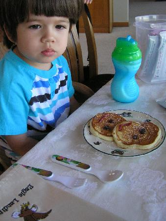 Eagle Landing Bed and Breakfast: Our 2-year old was given his own pancake breakfast!