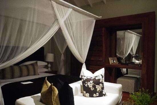 Lake Duluti Lodge: The Room