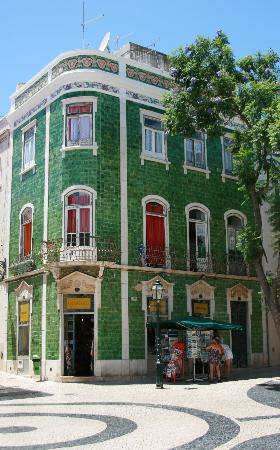 AquaLuz Suite Hotel : Tiled building