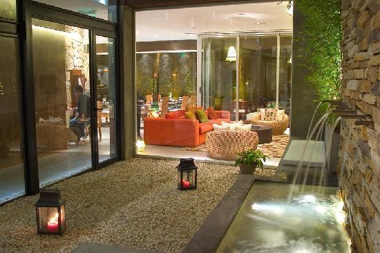 Mine Hotel Boutique: Patio