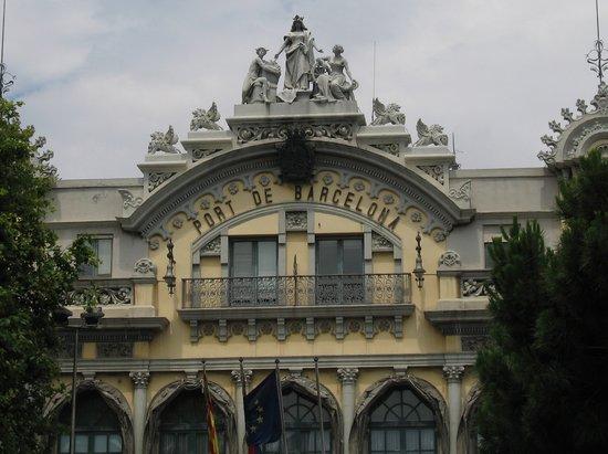 Barselona, İspanya: A building at the Port of Barcelona