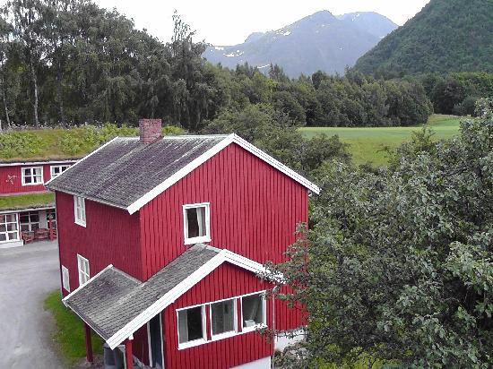 Andalsnes Vandrerhjem : View from bedroom window