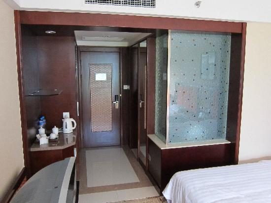 Hua Sheng International Hotel : twin bedroom 3