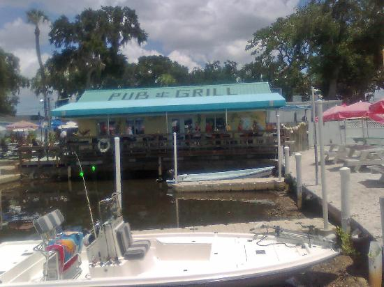 Woody's River Roo Pub & Grill: Get your seafood here...