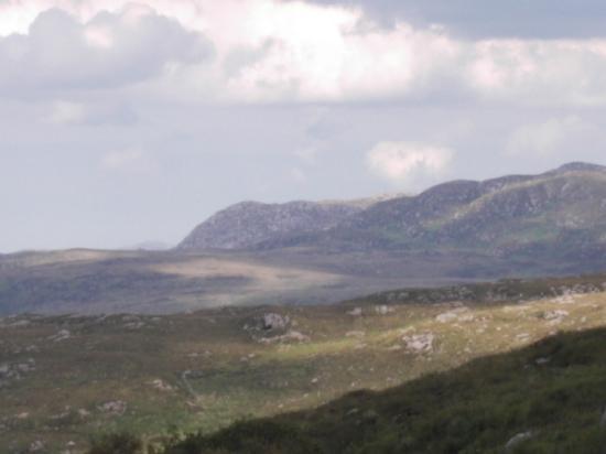 Glenveagh Castle : Mountain scene