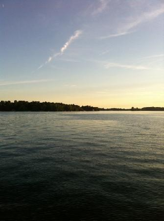 Gananoque, Canadá: nice tranquil water