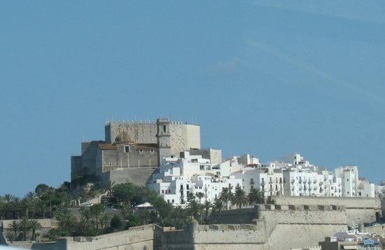 Peniscola, Spain: Castle seen from crescent beach area