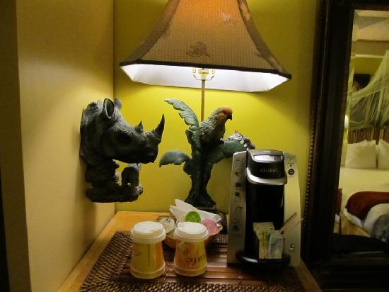 Holiday Inn Express & Suites - Saint John: jungle themed room -coffee station