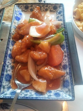 Pings Chinese Restaurant: Sweet & Sour Chicken