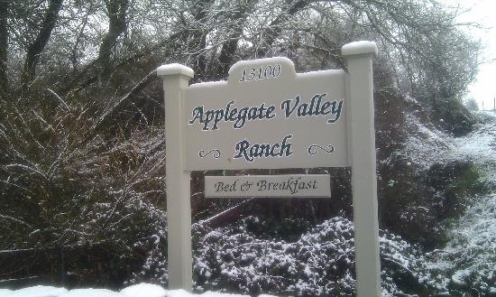 Applegate Valley Inn & Ranch: Entry way