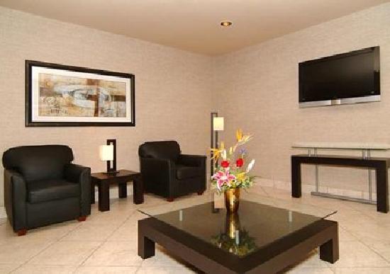 Rodeway Inn & Suites : Lounge