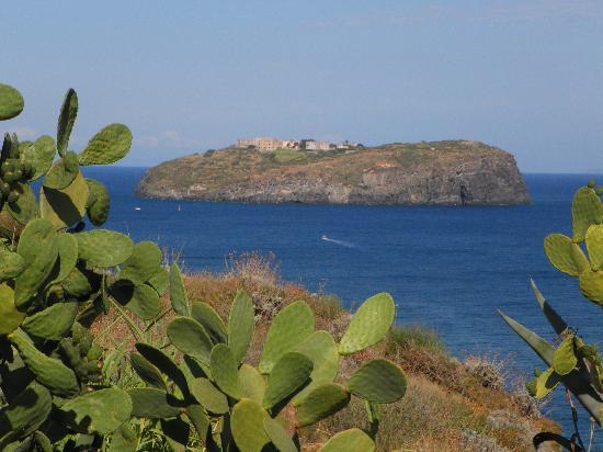Ventotene, Italië: La vista dalla terrazza privata