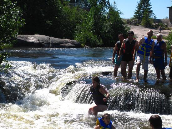 Wilderness Edge - Retreat & Conference Centre: Jumping in the rapids at Old Pinawa Dam
