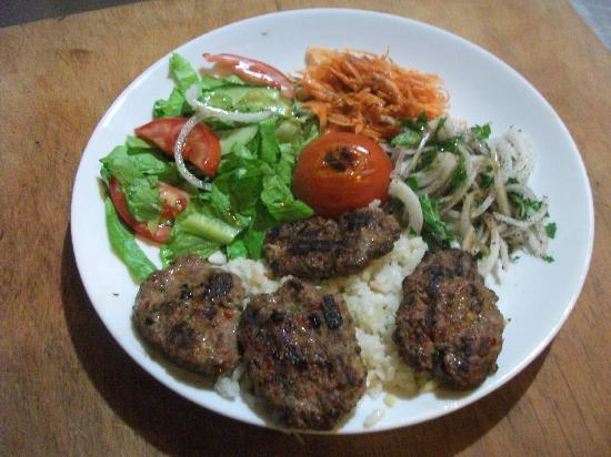 Meeting Point Cafe: The meatball kebab