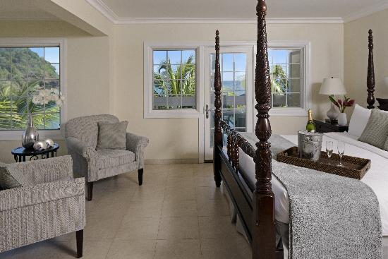 The BodyHoliday: Grand Luxury Oceanfront Junior Suite