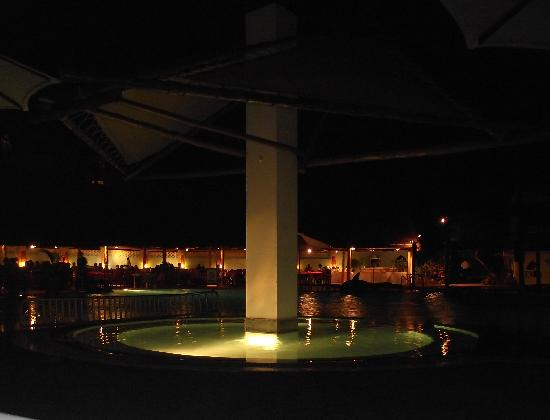 Turtle Bay Beach Club: Pool By night