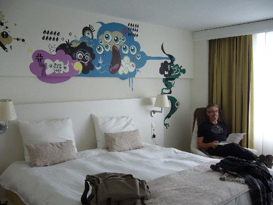 Hotel BLOOM!: la fresque  chambre 805