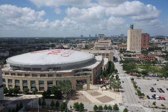 Emby Suites By Hilton Houston Downtown Hotel Suite View Of Toyota Center