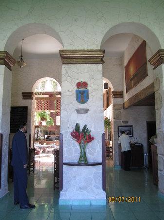 Sociedad Asturiana Castropol: Castropol Entrance