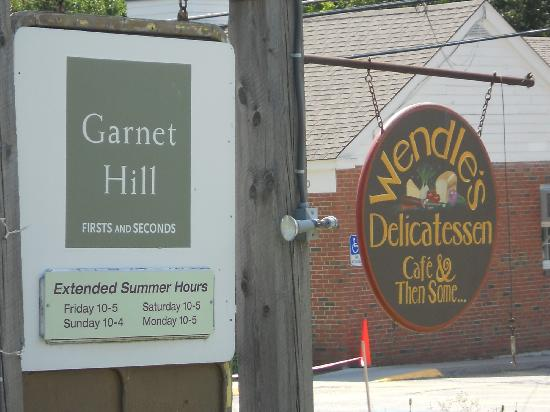 Wendle's Delicatessen & Cafe : Garnet Hill outlet, Wendle's Deli sign