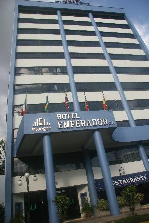 fachada Hotel Emperador