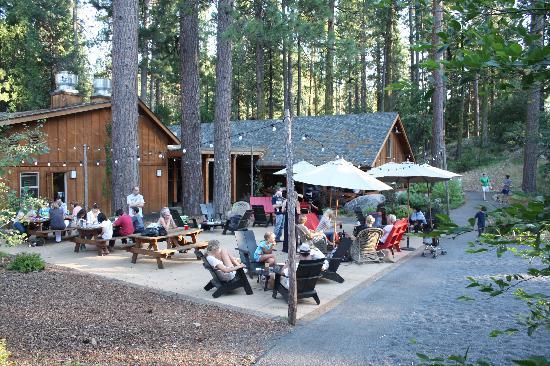 Evergreen Lodge at Yosemite : Rec Center & Patio Area