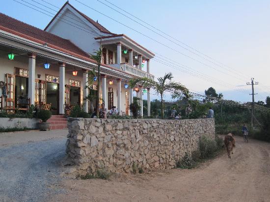 Front of Phong Nha Farmstay