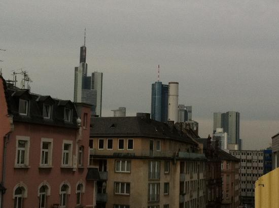 City Hotel Frankfurt: morning view from the terrace
