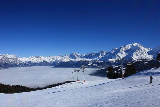 Hotel restaurant LES GRANITS : Ski à Combloux.