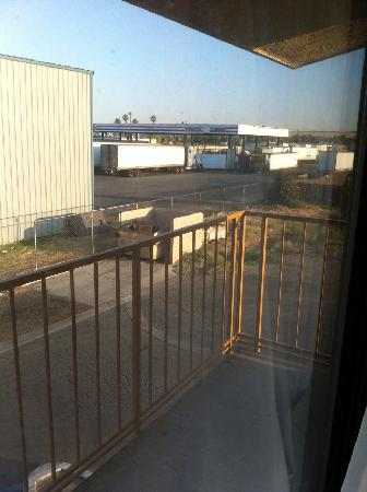 Americas Best Value Inn Bakersfield: View from room - need I say more?