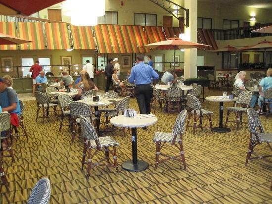 Holiday Inn Boston Brookline: Good breakfast, reasonably priced