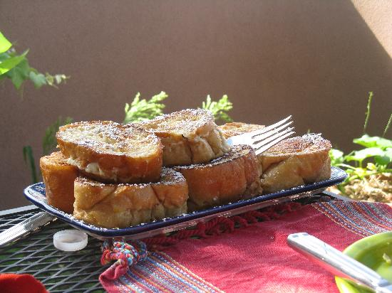 Casa Cuma Bed & Breakfast: Fabulous French toast