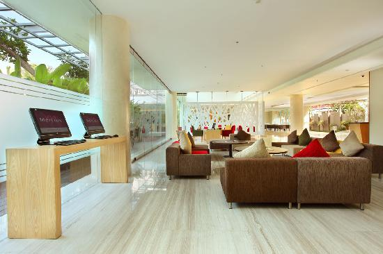 Mercure Bali Harvestland Kuta: Lobby area