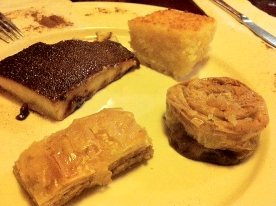Efes Bistro: Deserts!