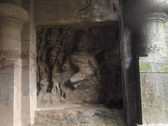 Elephanta Caves: the cave