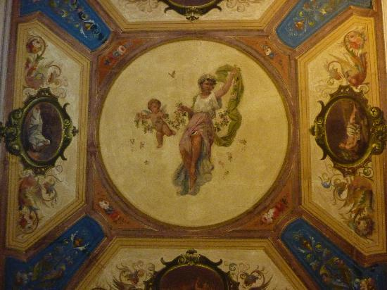 Cimabue 9: The ceiling in our room!