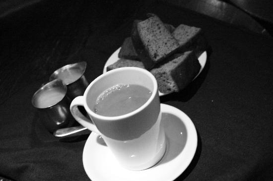 Drake Hotel Toronto: coffee and cake